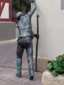 Skulptur - Mann von hinten